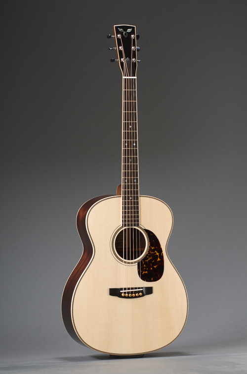 Traditional Rosewood Orchestra Model With Adirondack Spruce And Maple Binding