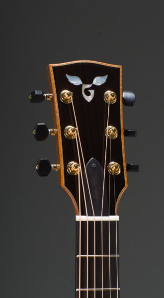 "Signature Rosewood Concert Jumbo 14-Fret 25"" Short Scale With Engelmann Spruce Top, Gotoh 510 Gold Tuners With Ebony Buttons"