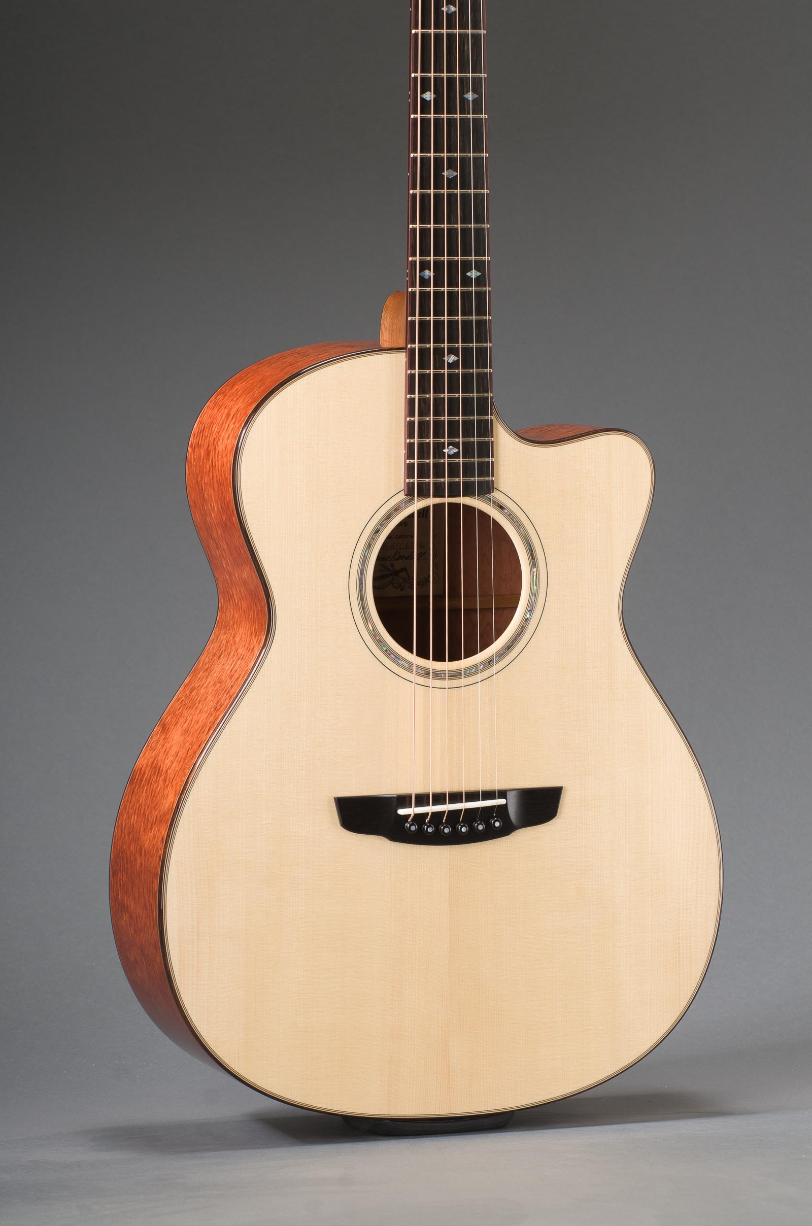 Bubinga Rosewood Grand Concert With Adirondack Spruce Top, Rosewood Binding And Venetian Cutaway