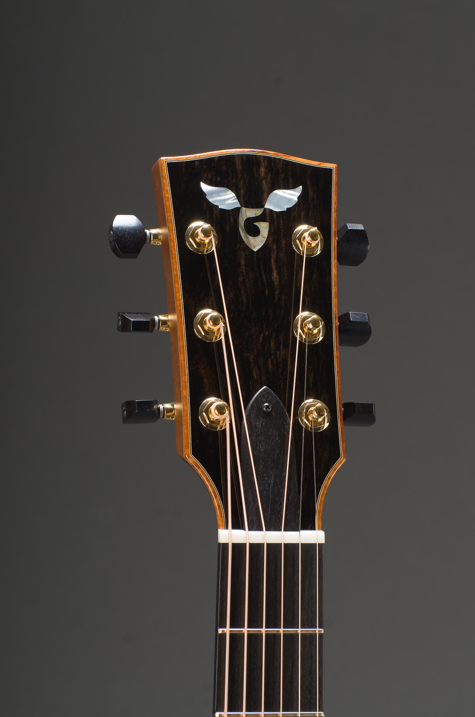 Signature East Indian Rosewood Grand Concert With Engelmann Spruce Top, Curly Koa Binding And Venetian Cutaway, Gold Gotoh 510 Mini tuners with ebony buttons